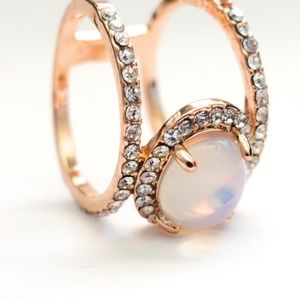 Jewelry - Size 7 Moonstone Rose Gold Ring